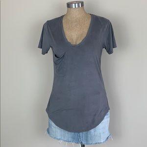 4/$25 Gray Short Sleeve V Neck Pocket Top XS EUC